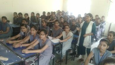 Photo of डीआरसीसी के शिविर में छात्राओं को दी गई योजनाओं की जानकारी