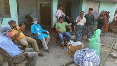 Photo of पूर्णियाँ : लोगों के बीच किया राहत सामग्री का वितरण