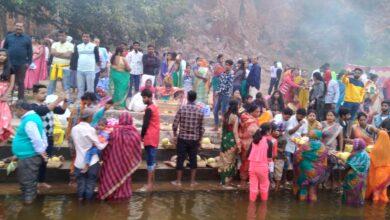 Photo of व्यवस्थाओं में कमी के बीच शांतिपूर्ण वातावरण में मना छठ पूजा