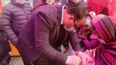Photo of किशनगंज : जिला पदाधिकारी ने बच्चों को पोलियो ड्रॉप पिलाकर पल्स पोलियो अभियान का किया शुभारंभ