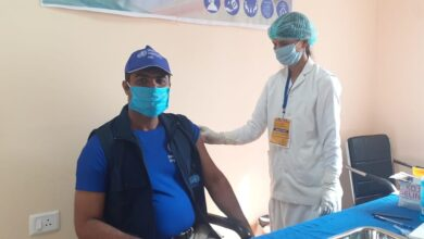 Photo of पूर्णिया : डब्लूएचओ के ज़ोनल कोऑर्डिनेटर एवं केयर इंडिया के डीपीओं ने अपने टीम के साथ लिया कोविड-19 टीका