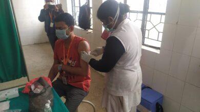 Photo of फ्रंटलाइन वर्करों का टीकाकरण के लिए स्वास्थ्य विभाग मुस्तैद